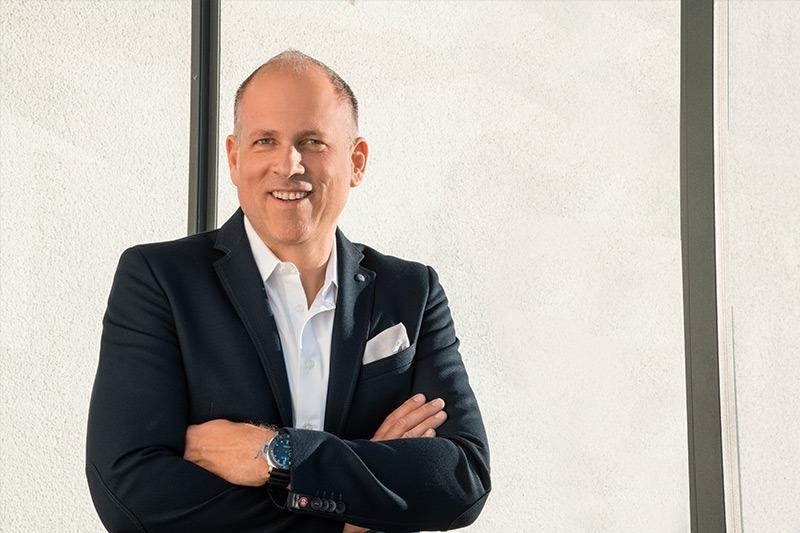 Herr Werner Witzigmann findet die passende Lösung für Ihre Fertighausfinanzierung.